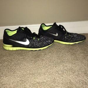 Nike Shoes - Nike Free TR Fit 5